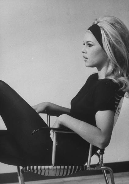 http://sunshineanddesign.files.wordpress.com/2009/06/brigitte-bardot1.jpg?w=550