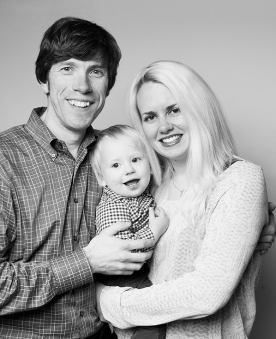 artistic-black-and-white-family-portraits-04