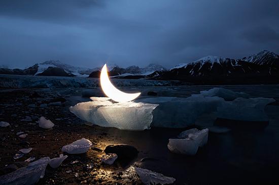 leonid-tishkov-moon-installation-01
