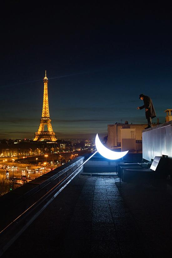 leonid-tishkov-moon-installation-03