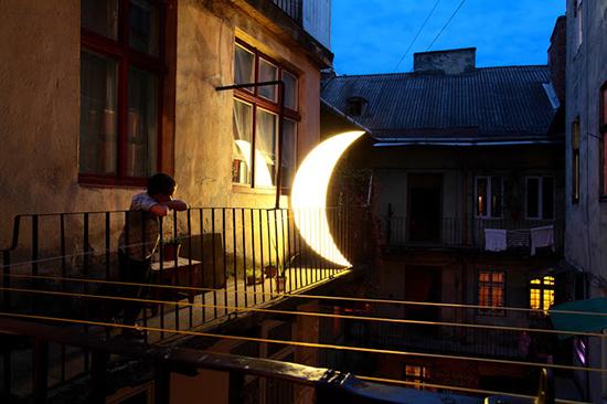 leonid-tishkov-moon-installation-04